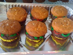 Hamburger-shaped cupcakes