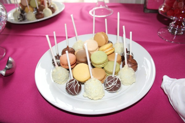 Macarons and Cake Pops