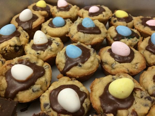 Mini Egg Cookie Cups